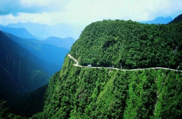 Mountain bike down the World's Most Dangerous Road